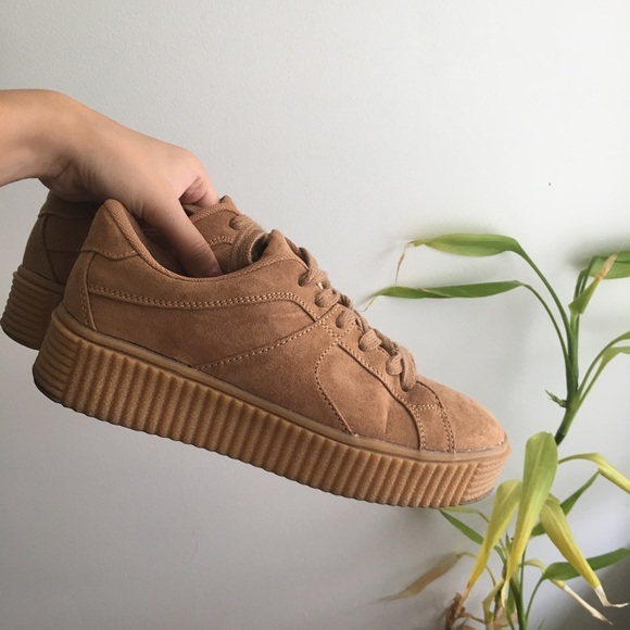 76bdcc03a91b M 5b67851b5098a06b4916f1d5. Other Shoes you may like. Puma X Rihanna Fenty  ...